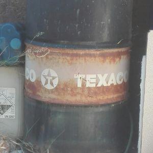 3 Βαρελια πετρελαιου