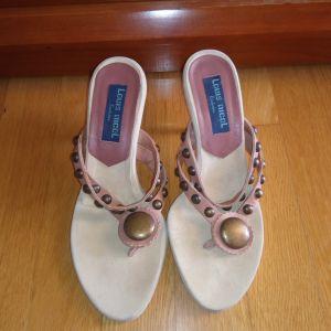 Πώληση παπούτσια