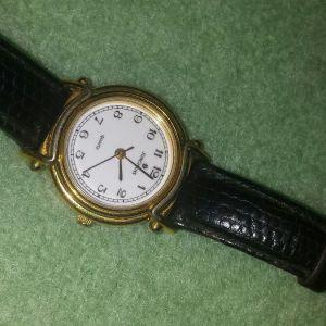 JUNGHANS γυναικείο vintage ρολόι χειρός με μαύρο δερμάτινο λουράκι