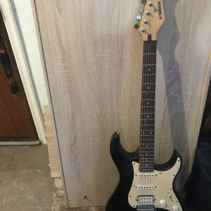 Ηλεκρτική  κιθάρα Yamaha EG 112 C
