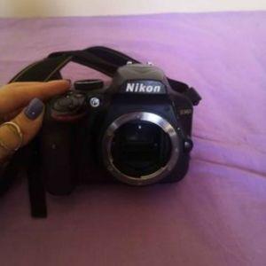 Πωλείται Nikon D3400 Kit με φακούς ΠΡΟΣΦΟΡΑ
