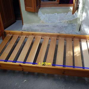 Πωλείται μονό ξύλινο Σουηδικό κρεβάτι