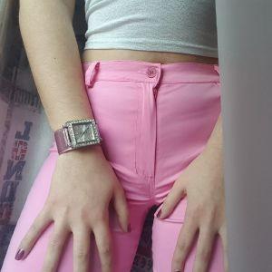ρολόι με διαμαντακια σε ροζ μεταλιζε χρώμα