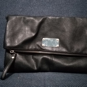Τσάντα μαύρη δερματίνη