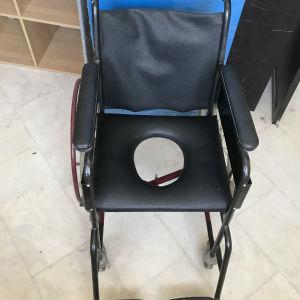 Πωλείται αναπηρικό αναδιπλούμενο σπαστό αμαξίδιο ,άριστο