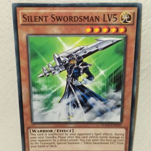 Silent swordsman LV5 Yu-Gi-Oh