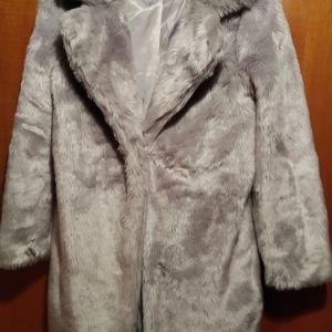 Πωλείται γούνινο πολύ μαλακό πανωφόρι  νούμερο small-medium  γκρι σχεδόν καινούργιο!