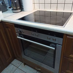 Siemens εντοιχισμένη κουζίνα, φούρνος, και κεραμική εστία,δεν λειτουργη η μία εστία