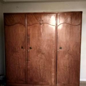 Ντουλάπα ξύλινη vintage