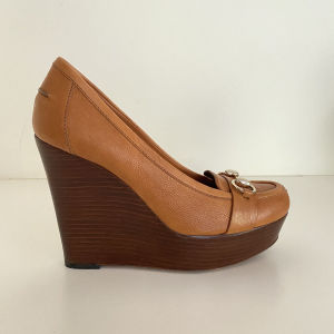 Gucci wedges in excellent condition