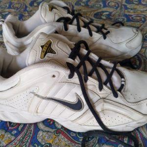 Παπούτσια vintage Nike νούμερο 47 (με καινούριους πάτους)