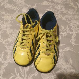 ποδοσφαιρικα παπούτσια Νο 34 adidas
