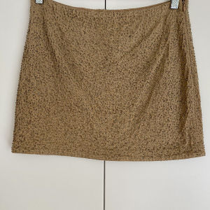 HAUTE HIPPIE Silk Skirt in excellent condition. Size Small.