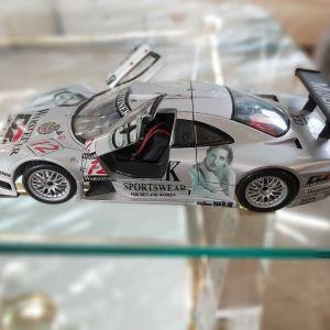 Αυτοκίνητο συλλεκτικό κλίμακα 1:18 Mercedes Benz SLK-GTR