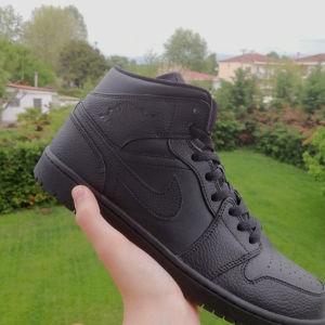 Nike Air Jordan 1 Mid Triple Black EU46