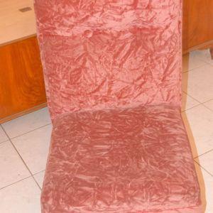 Δύο κλασικές πολυθρόνες σαλονιού
