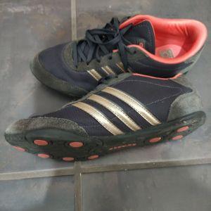 Adidas sneakers μαυρο με χρυσο