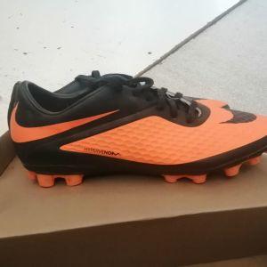 παπουτσια nice  no44 αθλητικα αγορασμενα 75 ευρ μονο  20 ευρ  αριστη κατασταση φορεμενα μονο 3 φορες