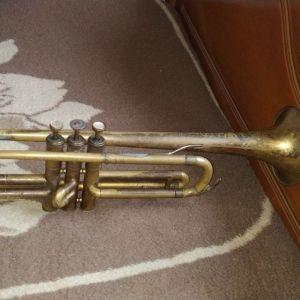 Παλιά τρομπέτα symphonic