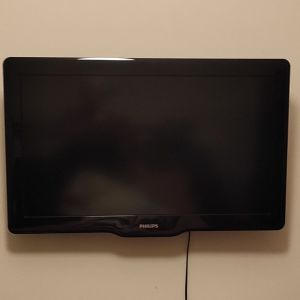 Τηλεόραση Philips 32 ιντσών 32PFL3605H/12 και μαζί Βάση για τοίχο