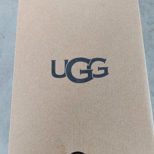 UGG βρεφικά παπούτσια