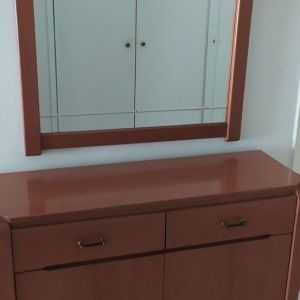 Παπουτσοθήκη με καθρέφτη