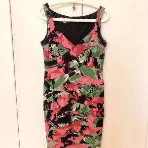 Επωνυμα φλοραλ φορεματα