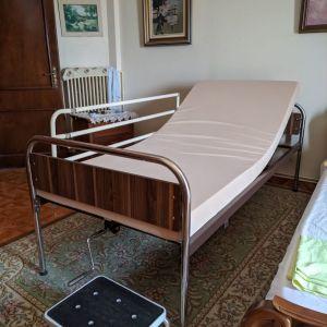 Ελάχιστα μεταχειρισμένο νοσοκομειακό κρεβάτι mobiak