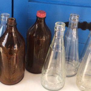 Διαφορετικα γυαλινα μπουκαλια δεκαετιας 1950-1960