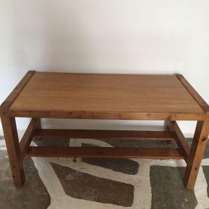 Ξυλινο σετ: τραπεζακι σαλονιου 0,44-0,84μ σε πολυ καλη κατασταση + ΔΩΡΟ καρεκλα ξυλινη φαγητου/γραφειου