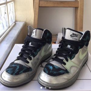 Nike παπούτσια unisex