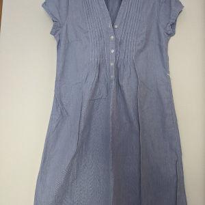 Φόρεμα H&M μέχρι το γόνατο