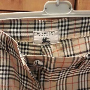Παντελόνι,L-νούμερο. BURBERRY.