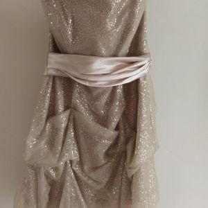 Βραδινό φόρεμα ολοκαίνουργιο αφόρετο,btrand Ariella London, μέγεθος medium,με αποσπώμενες ράντες και αποσπώμενη ζώνη ίδιου χρώματος.