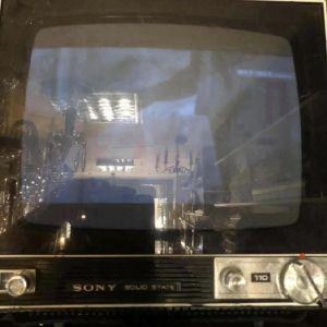 Ασπρομαυρη Sony τελη δεκαετιας 1960 λειτουργει