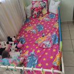 Παιδικό δωμάτιο ΙΚΕΑ, κρεβάτι με στρώμα γραφείο, κουτί αποθήκευσης