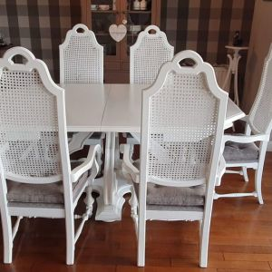 Μασίφ μαόνι επεκτεινόμενη τραπεζαρία με έξι καρέκλες. Χειροποίητη, από το 1974.