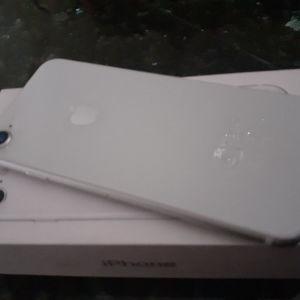 πωλείται κινητό iPhone