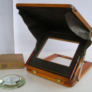 Αντίκα φωτογραφικό σταντ για ρετούς του 1880