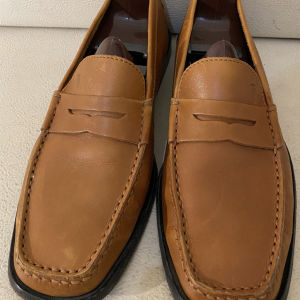 extremely gorgeous genuinely leather lace up by Tods made in Italy size 41.5 in excellent condition