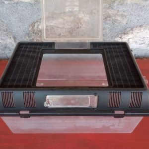 Terrarium - Κλουβί Μεταφοράς και Ταΐστρα