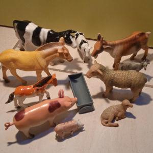 πλαστικά οικόσιτα ζώα