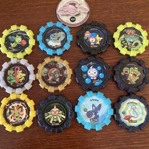 13 πλαστικές τάπες pokemon