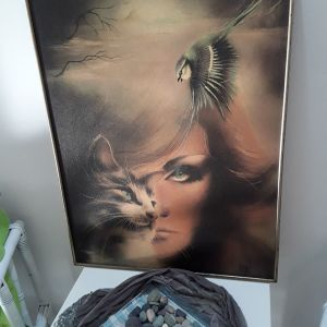 Πίνακας με σουρεαλιστική απεικόνιση εποχής 1980ς, σε αψωγη κατάσταση. Ενα φανταστικό έργο τέχνης.