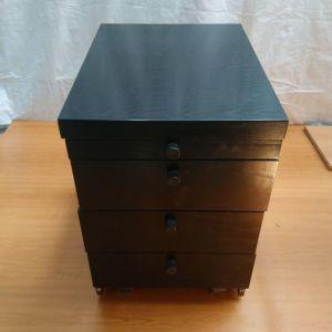Συρταριέρα 59x44 ύψος 62 μαύρο χρώμα μεταχειρισμένη