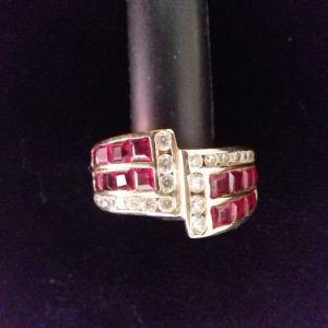 14 καράτια χρυσό δαχτυλίδι με αληθινά ρουμπίνια
