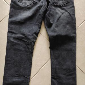 Ανδρικό παντελόνι τζιν μαύρο νούμερο 32-33