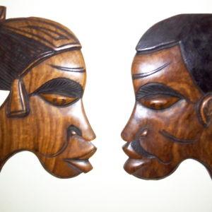 Ζευγάρι ξυλόγλυπτες μάσκες Αφρικανών.