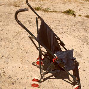πτυσσόμενο  καρότσι μωρού