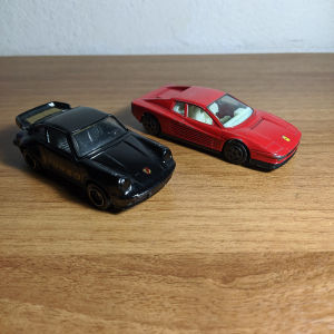 Porsche 911 Turbo - Ferrari Testarossa